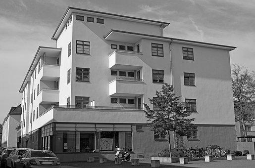 Размер площади жилого помещения, предоставляемого из жилищного фонда города Москвы. Применение п. 6 ст. 20  Закона № 29 г. Москвы